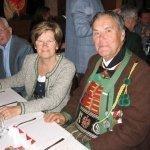 thumbs 10076 Geburtstagsfeier von Ehrenmitglied und Fahnenpatin Luise Niedermayr und Bezirksmajor Sepp Kaser