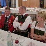 thumbs 10097 Geburtstagsfeier von Ehrenmitglied und Fahnenpatin Luise Niedermayr und Bezirksmajor Sepp Kaser