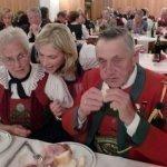 thumbs 10129 Geburtstagsfeier von Ehrenmitglied und Fahnenpatin Luise Niedermayr und Bezirksmajor Sepp Kaser