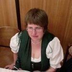 thumbs 10135 Geburtstagsfeier von Ehrenmitglied und Fahnenpatin Luise Niedermayr und Bezirksmajor Sepp Kaser