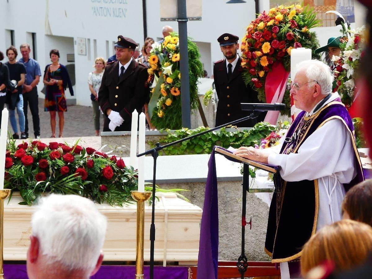 p1170809 Ehrenmitglied Augustin Kaser verstorben