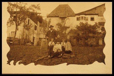 17 Familie Hinteregger 1912 480x321 18. Freischießen und 2. Dorfschießen 2012